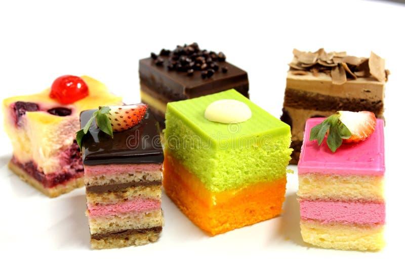 Minicake heerlijk op plaat stock foto