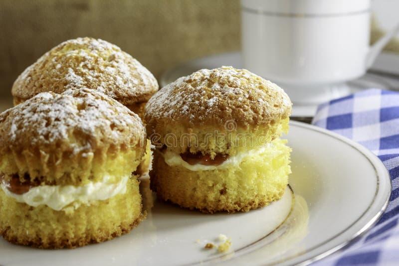 Minicakes op een Plaat stock foto