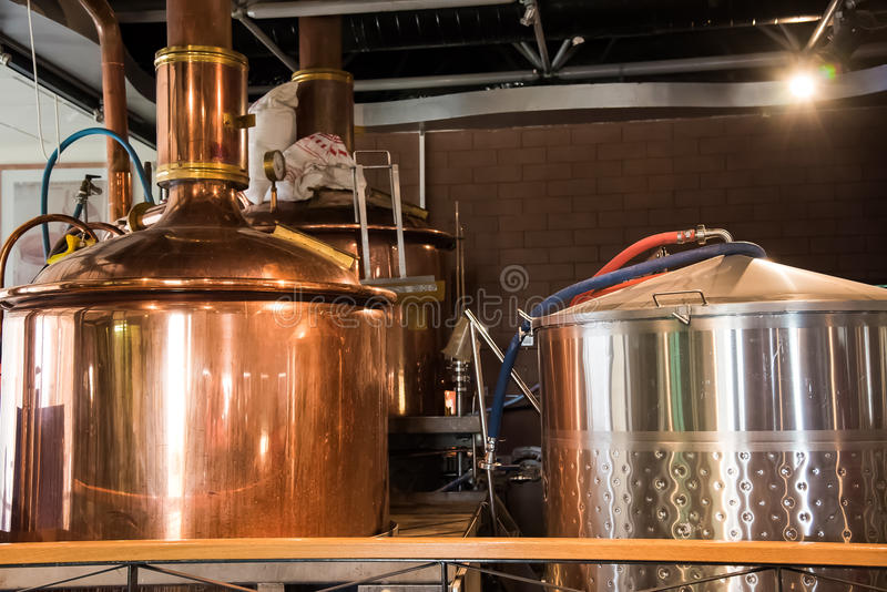 Minidiebrouwerij, van roestvrij staal wordt gemaakt royalty-vrije stock afbeeldingen