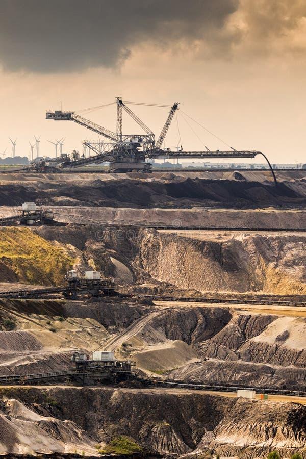 Miniera a cielo aperto dell'attrezzatura mineraria immagine stock libera da diritti