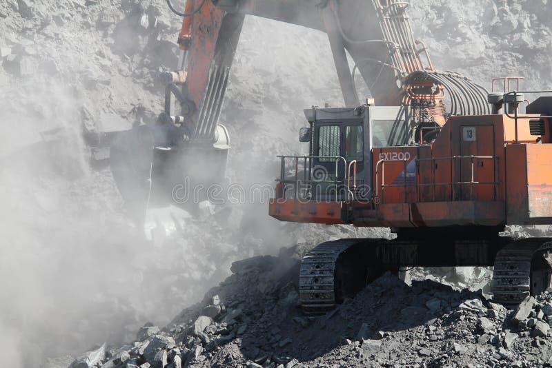 Miniera di carbone della trincea a cielo aperto fotografia stock libera da diritti