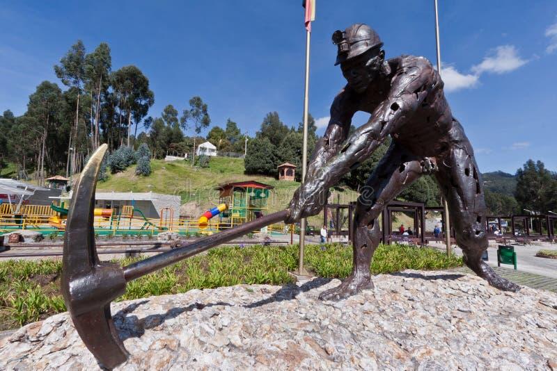 Miniere di sale Bronze di Zipaquira della statua del minatore Colombia fotografia stock
