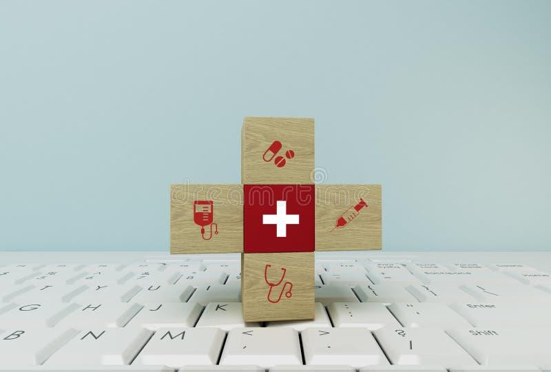 Minimale Konzeptidee ungefähr der Gesundheit und der Krankenversicherung, den hölzernen Block vereinbarend, der mit dem Ikonenges lizenzfreie abbildung