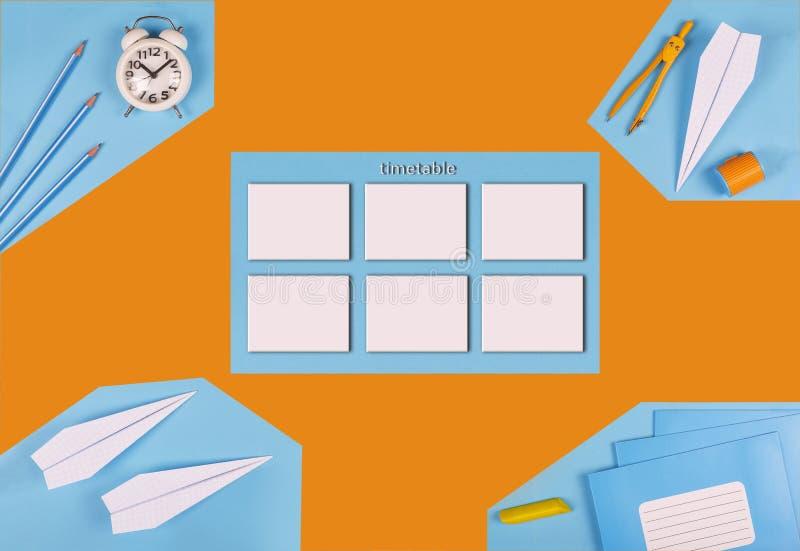 minimalism orario falso della scuola Concetto della gestione di tempo preparazione del ` s del progettista calendario Vista super immagini stock
