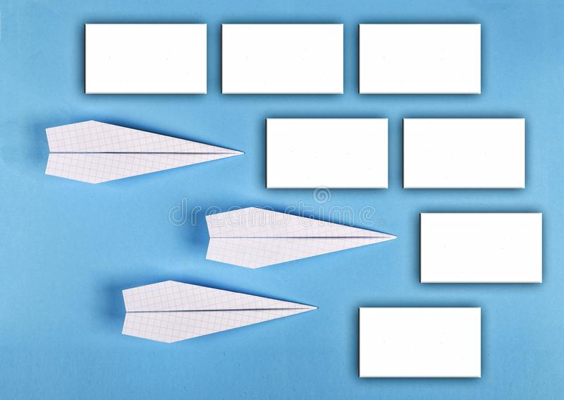 minimalism programma della scuola, autoadesivi vuoti, disposizione del ` s del progettista Vista superiore disposizione piana, co immagine stock libera da diritti