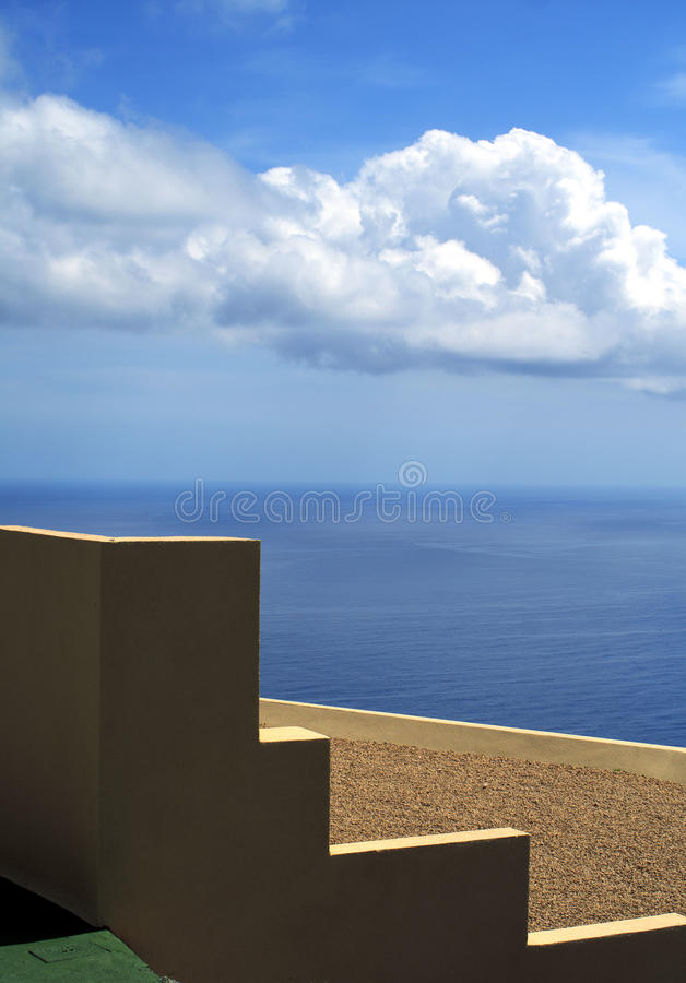 Download Minimalist Wall And Roof With A Sea View Stock Photo - Image: 19575972