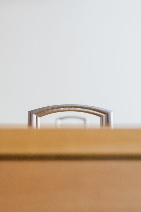 minimalista Drzwiowej rękojeści gabinet fotografujący od różnego kąta zdjęcie royalty free