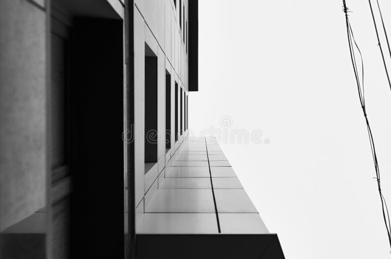 Minimalistic architektura nowoczesna fasada budynku Czerń i whi fotografia stock