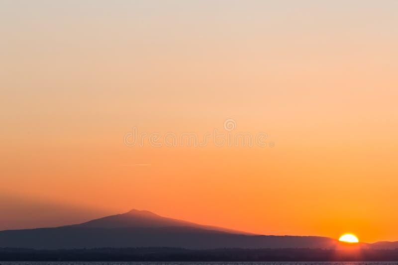 Minimalistische zonsondergang stock afbeelding