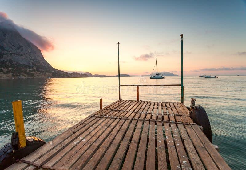 Minimalistyczny mglisty seascape zdjęcie royalty free