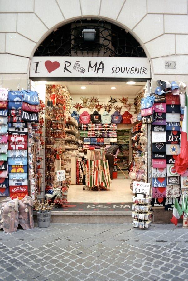 Minimarket und Andenken in Rom lizenzfreies stockfoto