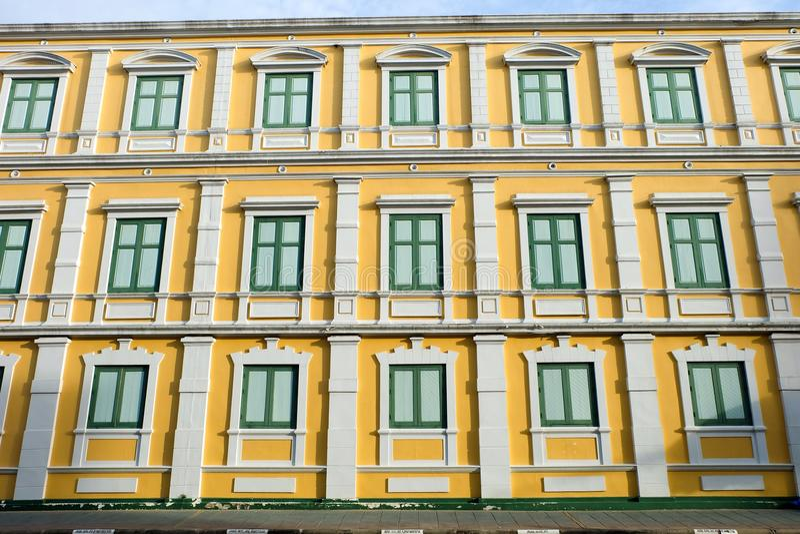 Ministère de la Défense, tout le windows're fermé images stock