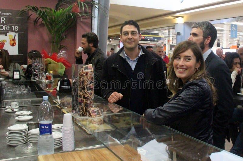 Minister Maria Elena Boschi, koffiepauze royalty-vrije stock fotografie