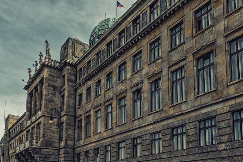 Ministerie van de Industrie en Handel in Praag stock foto