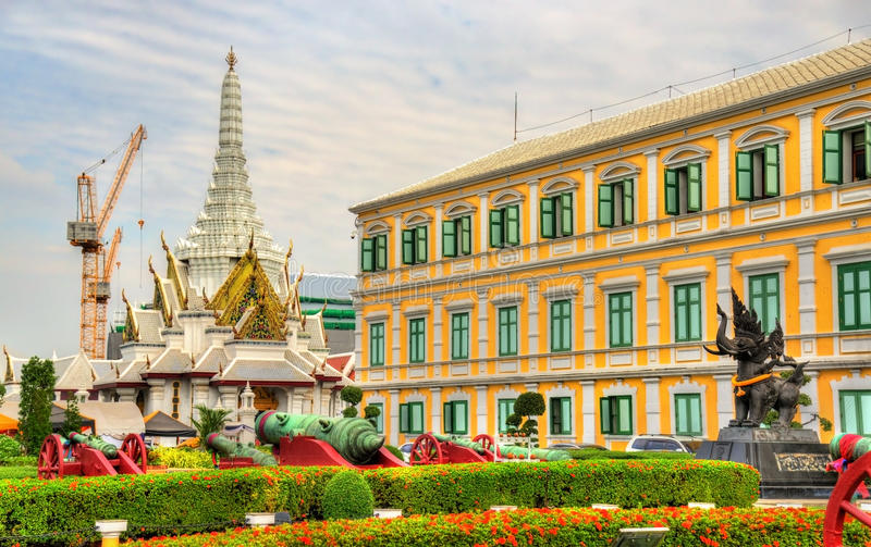 Ministerie van Defensie in Bangkok stock afbeelding