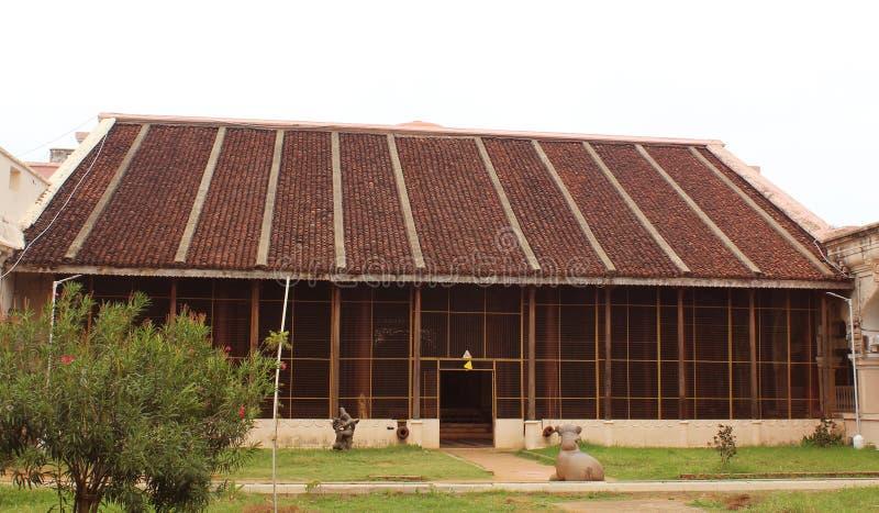 Ministerie zaal dharbar zaal van het paleis van thanjavurmaratha met bezoekers royalty-vrije stock fotografie