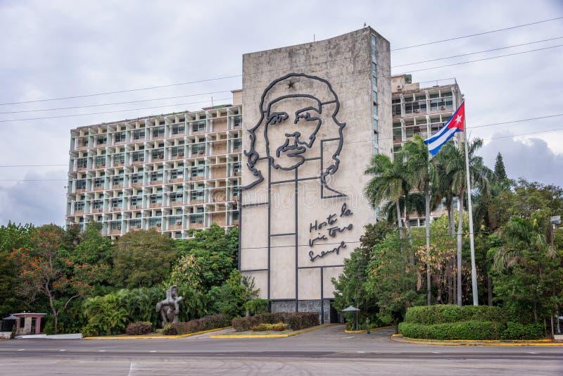 Ministra Spraw Wewnętrznych budynek z twarzą Che Guevara lokalizował w rewolucja kwadracie w Hawańskim, obrazy royalty free