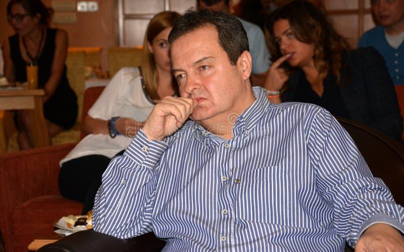 Ministro de los asuntos exteriores de la república de Serbia, de Ivica Dacic y del embajador de los Estados Unidos de América en  imágenes de archivo libres de regalías
