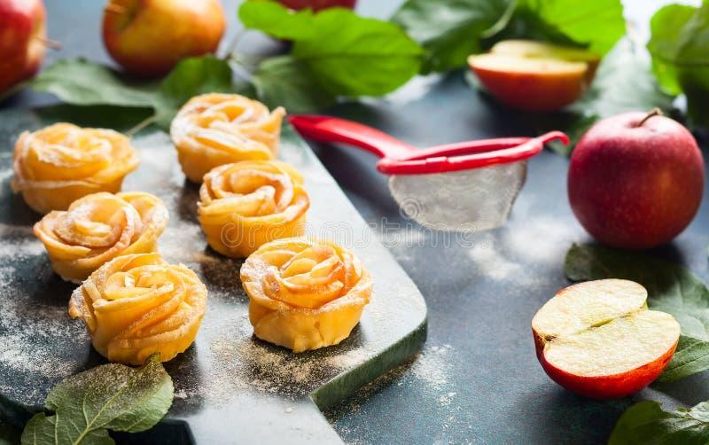 Minitörtchen Apples Rose stockfoto