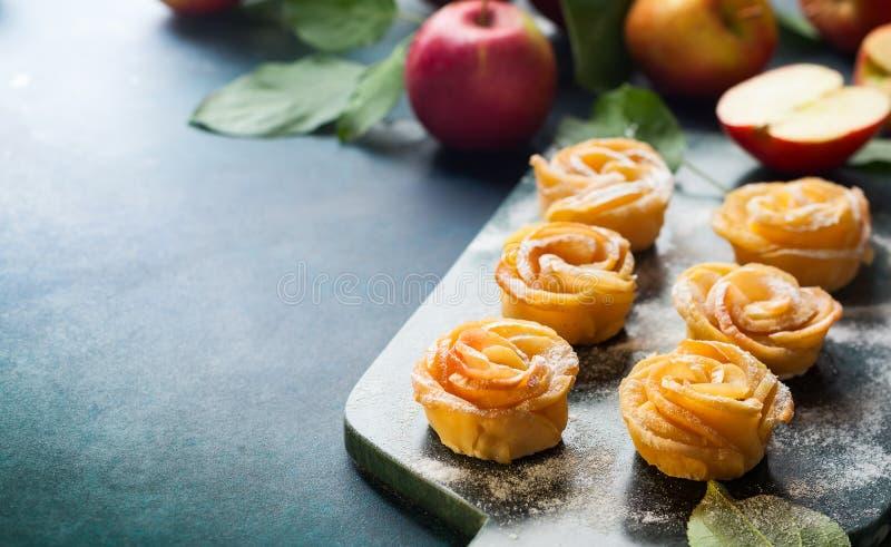 Minitörtchen Apples Rose lizenzfreies stockfoto