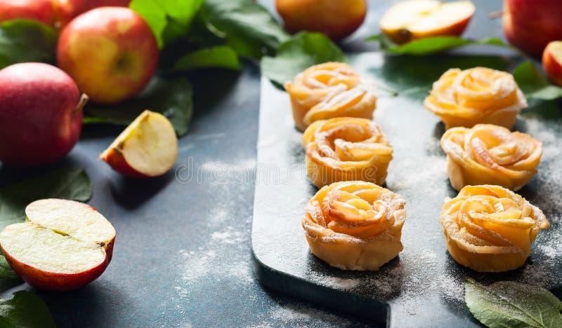 Minitörtchen Apples Rose stockfotos
