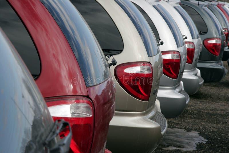 Minivans voor verkoop royalty-vrije stock afbeelding