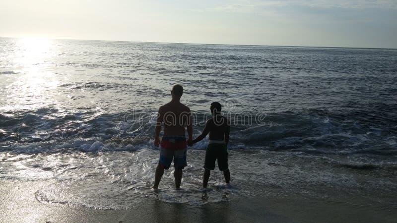 Minnaars bij het strand royalty-vrije stock foto