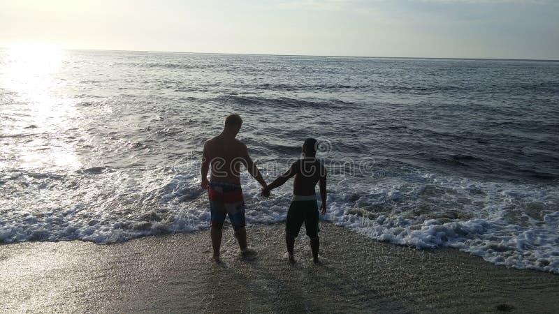 Minnaars bij het strand royalty-vrije stock foto's