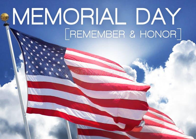 Minne för Memorial Day flaggahimmel och hedervärdighet royaltyfria foton