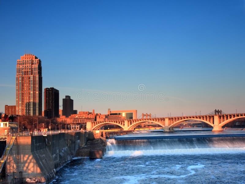 Minneapolis bij zonsopgang stock foto