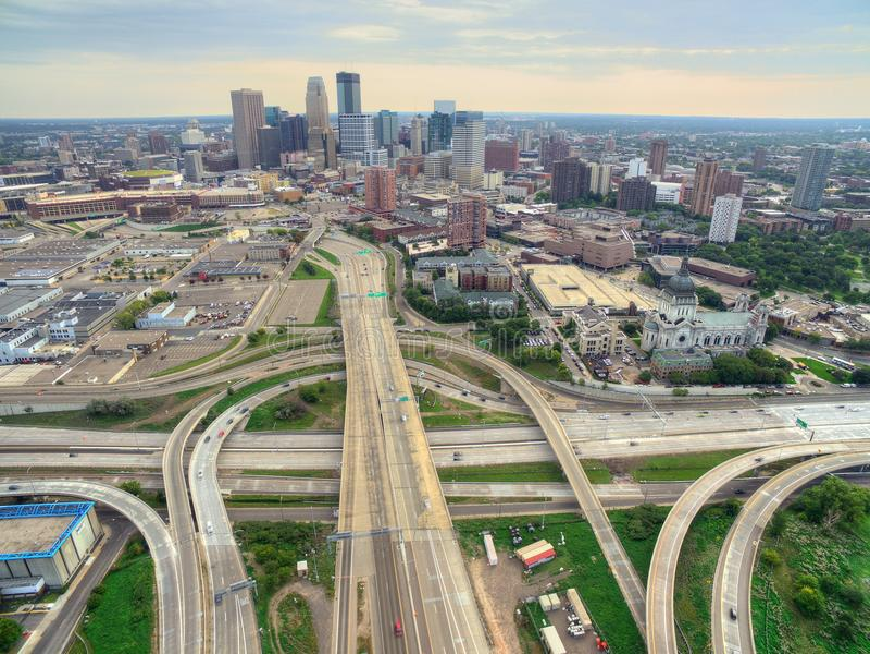 Minneapolis horisont i Minnesota, USA royaltyfria foton