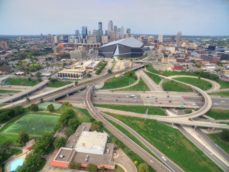 Minneapolis horisont i Minnesota, USA arkivbilder
