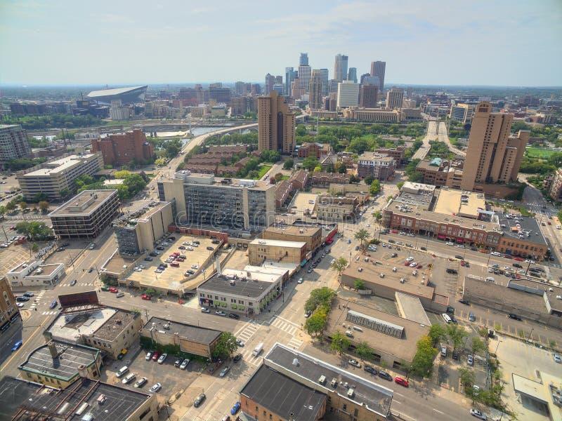 Minneapolis horisont i Minnesota, USA fotografering för bildbyråer