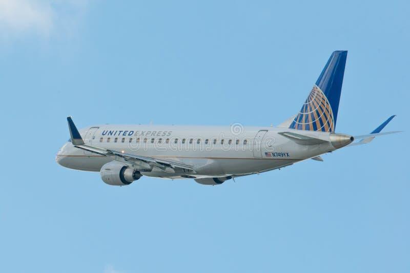 MINNEAPOLIS, MINNESOTA/ETATS-UNIS - 25 JUIN 2019 : Plan rapproché des départs d'avions d'avion décollant au MSP - Minneapolis/St photographie stock