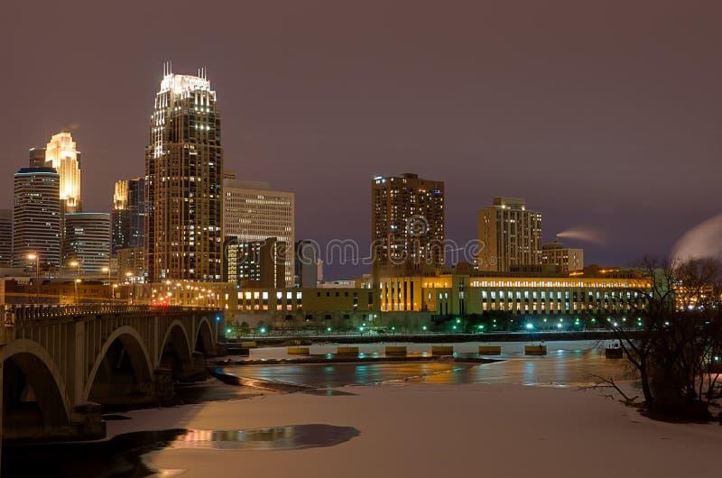 Minneapolis Minnesota la nuit images libres de droits