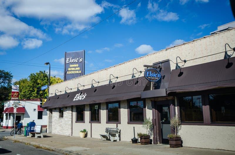 MINNEAPOLIS, MINNESOTA : Vue extérieure du bowling d'Elsie à Minneapolis du nord-est C'est un restaurant, Ba photographie stock