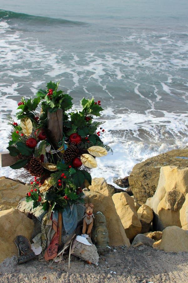 Minnes- hedersgåva nära Half Moon Bayen, Kalifornien royaltyfria bilder