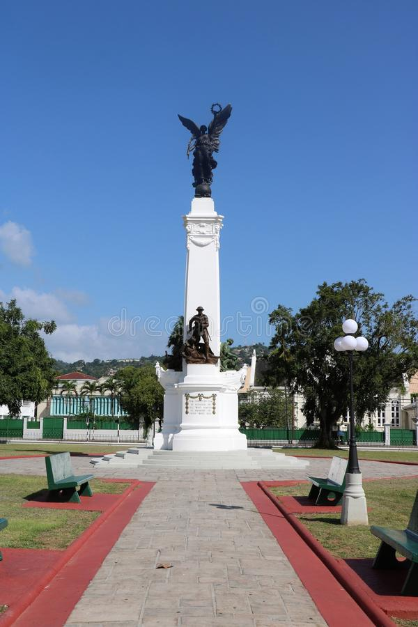 Minnes- Park— monument till indiankrigaren, port - av - Spanien, Trinidad och Tobago royaltyfria bilder