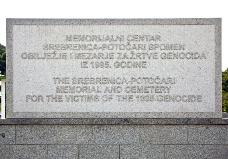 minnes- potocari srebrenica för Bosnienkyrkogård fotografering för bildbyråer