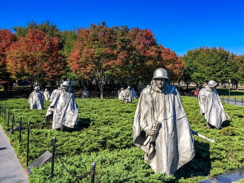 Minnesmärke för koreanskt krig på nedgångdag fotografering för bildbyråer