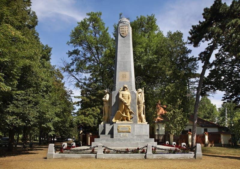 Minnesmärke för regemente för infanteri 39 i Debrecen hungary royaltyfria bilder