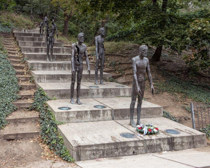 Minnesmärken till offren av kommunism, prague, Tjeckien arkivbilder