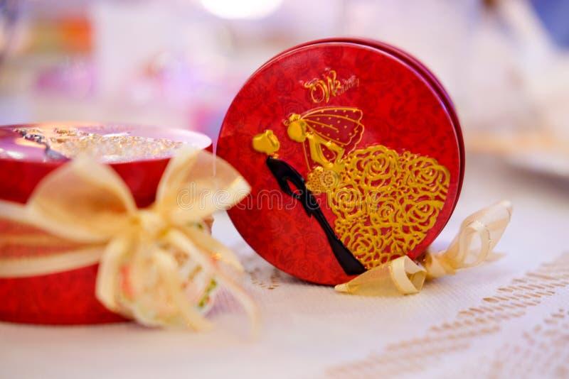 Minnessak eller gåva för gäst i bröllopparti fotografering för bildbyråer