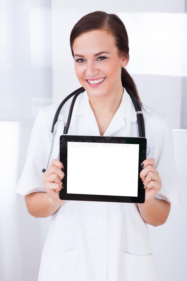 Minnestavla för doktor Showing Blank Digital fotografering för bildbyråer