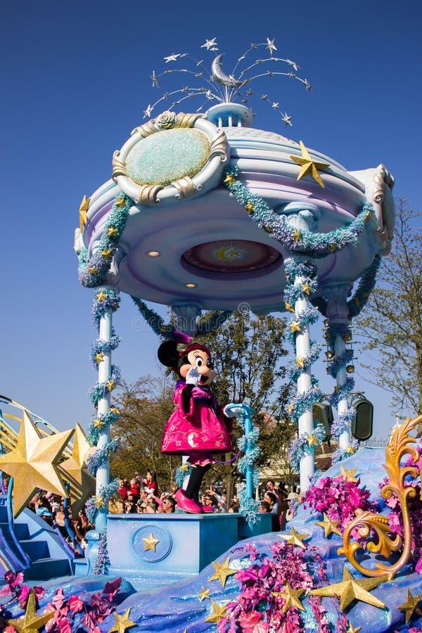 Minnie Mouse tijdens de dagelijkse parade, Disneyland Parijs royalty-vrije stock afbeeldingen