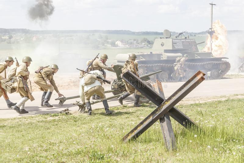 Minsk. Belarus. May 25, 2019. Description of the events of the Second World War. soldiers of the red army are preparing a cannon stock image