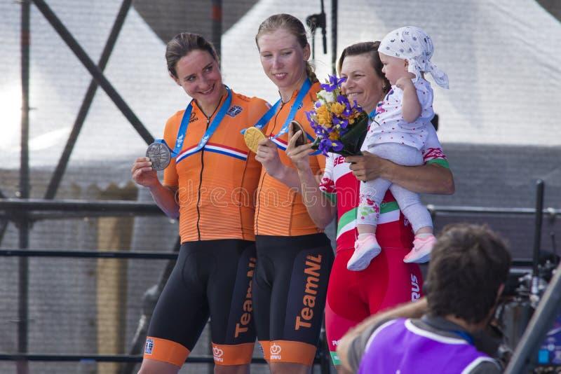 Minsk, Biélorussie 22 juin 2019 Cérémonie d'attribution des cyclistes Lorena Wiebes, Marianne Vos et la route de Tatsiana Sharako photo stock