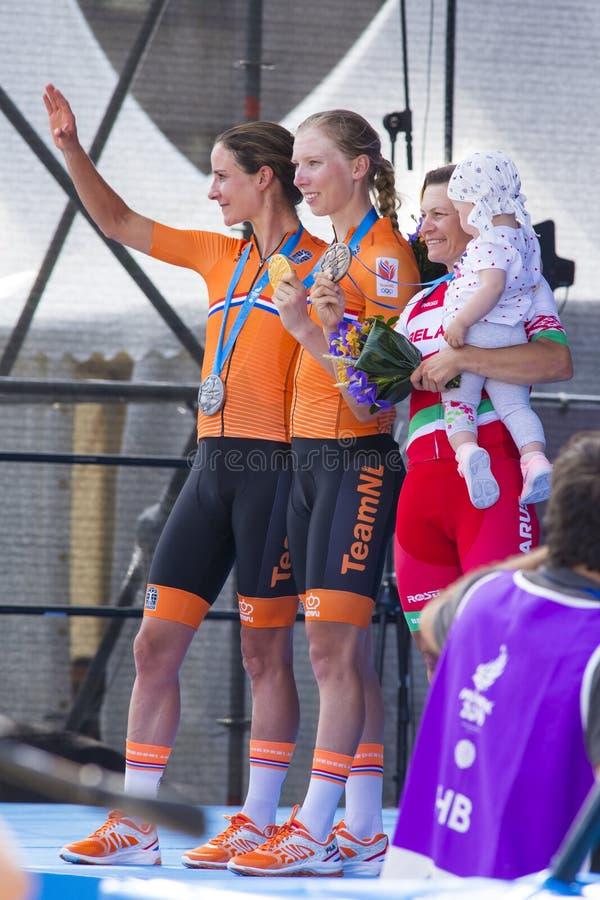 Minsk, Biélorussie 22 juin 2019 Cérémonie d'attribution des cyclistes Lorena Wiebes, Marianne Vos et la route de Tatsiana Sharako photographie stock