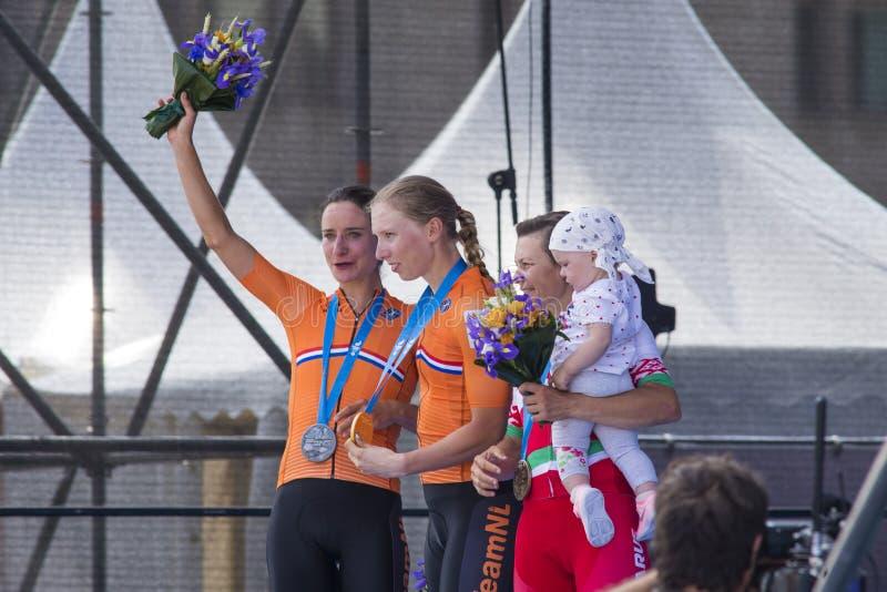 Minsk, Biélorussie 22 juin 2019 Cérémonie d'attribution des cyclistes Lorena Wiebes, Marianne Vos et la route de Tatsiana Sharako photos stock