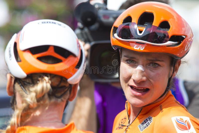 Minsk, Biélorussie 22 juin 2019 Cyclistes professionnels Blaak Chantal et épreuve sur route de Marianne Vos During Women au jeu I image stock